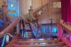 Harp-on-the-stairs-2